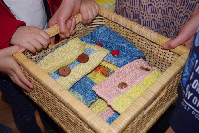 Stiftemäppchen aus pflanzengefärbter Baumwolle