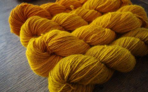 Angora mit Tagetes gefärbt